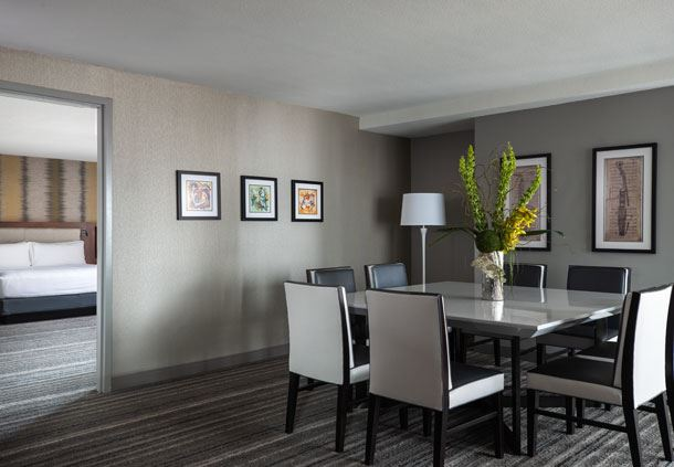 Muehlebach Tower - One-Bedroom Suite Dining Area