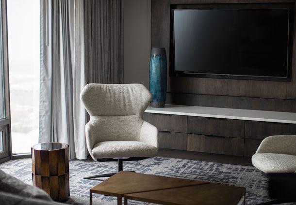 West Tower - Premier Suite Sitting Area