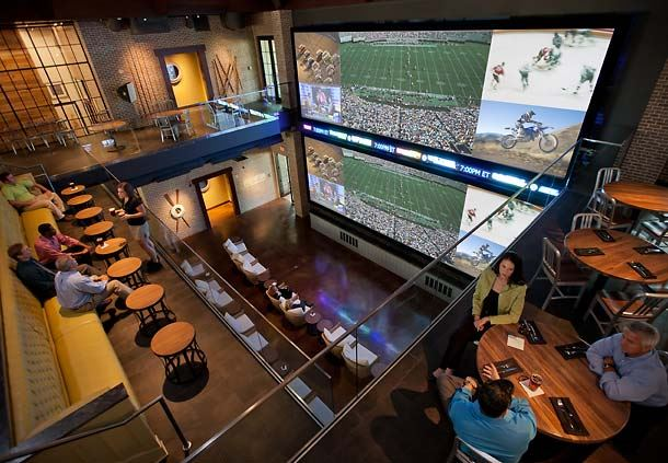 Wreckers Sports Bar - VIP Skybox
