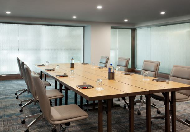 Diamond - Boardroom Setup