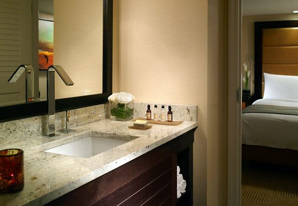 Bay Vista Suite Vanity