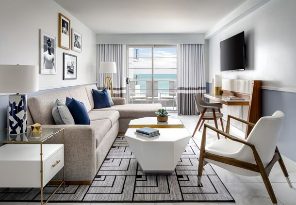 King Ocean Front Suite - Living Area