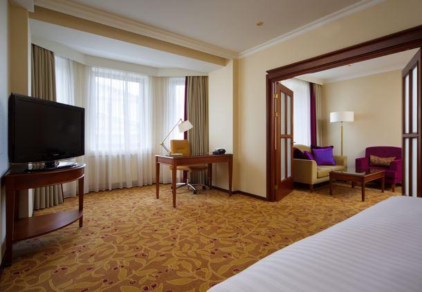 Junior Suite - Bedroom Amenities