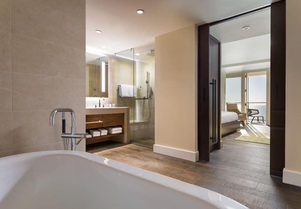 Adult Exclusive - Gulf Front Suite Bathroom