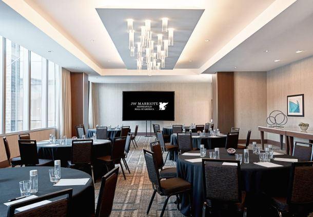 Sapphire Meeting Room - Rounds Setup