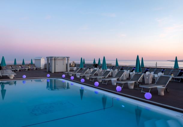 Rooftop Terrace Pool - Evening View