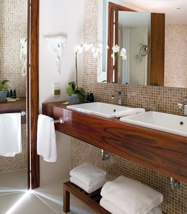 One-Bedroom Suite Double Sink Bathroom