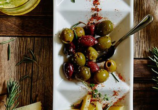 Vista. Kitchen. Bar - Marinated Olives