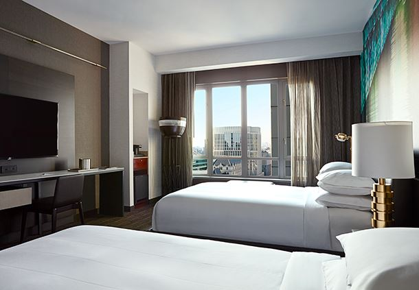 Double/Double Guest Room - Skyline View