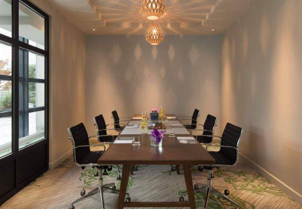 Club Lounge - La Petite Arche Boardroom
