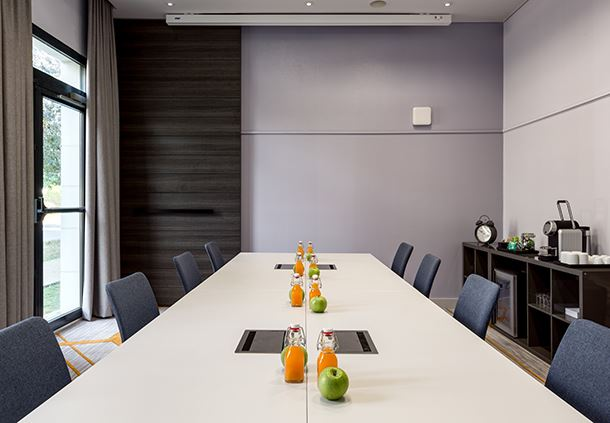 Studio 1 Meeting Room