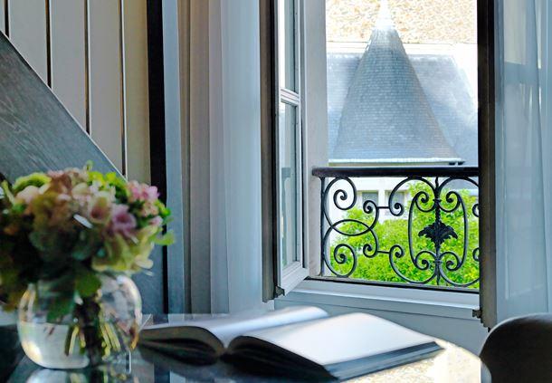 Executive Suite - Garden View