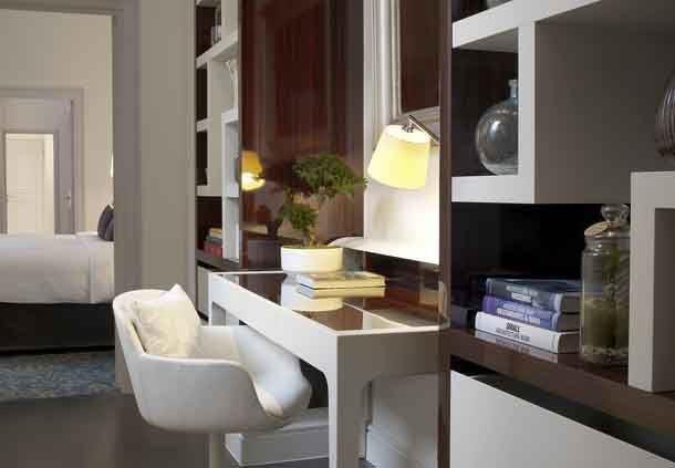 Le Parc Honeymoon Suite - Foyer