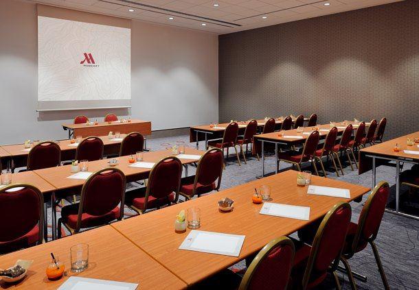 Forum C Meeting Room - Classroom Setup