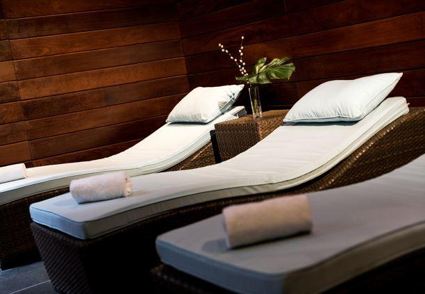 Spa Pool - Lounge Chairs