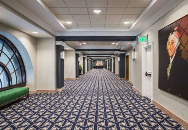 Mezzanine Foyer