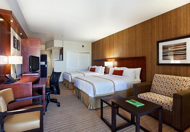 Extended Queen/Queen Guest Room