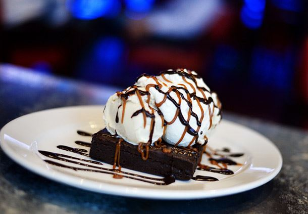 Trophy Brownie Sundae