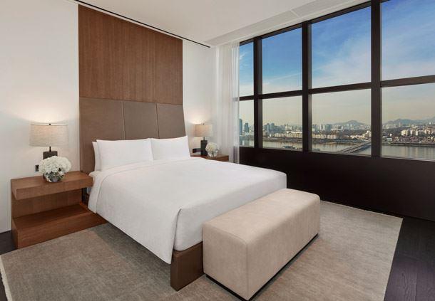 Ambassador Penthouse - Bedroom