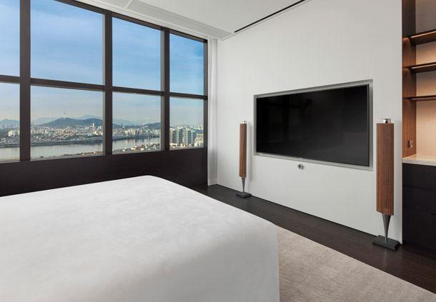 Ambassador Penthouse Suite - Bedroom