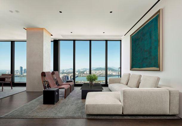 Ambassador Penthouse - Living Room