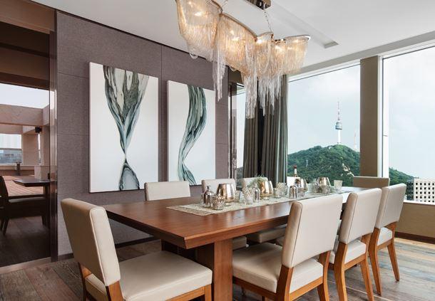 Namdaemun Suite Dining Room