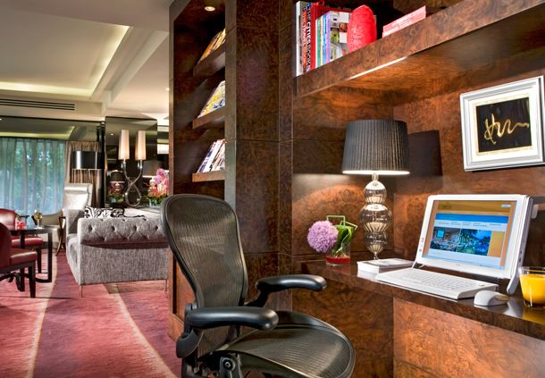 Towers Executive Lounge - Internet Works
