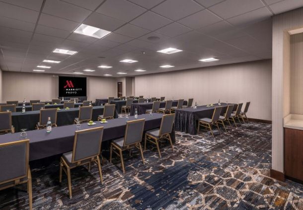 Birch Meeting Room