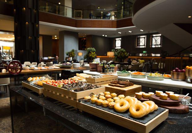 Silvester's Restaurant Buffet