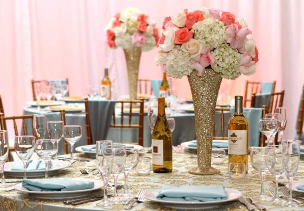 Gold & Periwinkle Tablescape