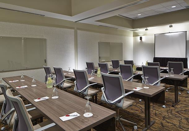 Holston Meeting Room - Schoolroom Set-Up