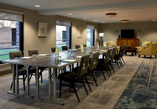 Empire Suite - Private Dining Area