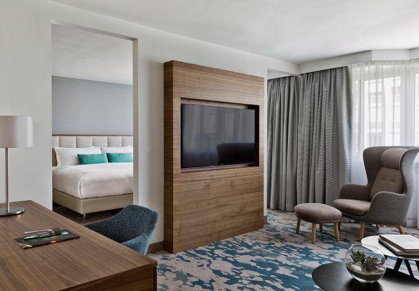 Superior Junior Suite - Living Room