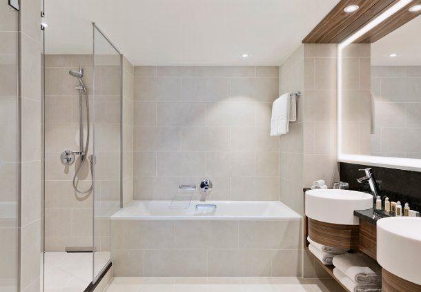 Superior Junior Suite - Bathroom