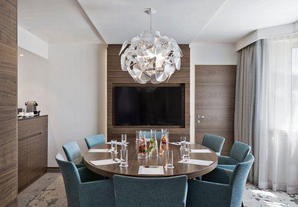Park Suite Dining Area