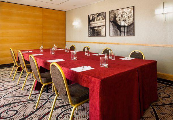 Palais Sachsen Coburg IV - Boardroom Setup