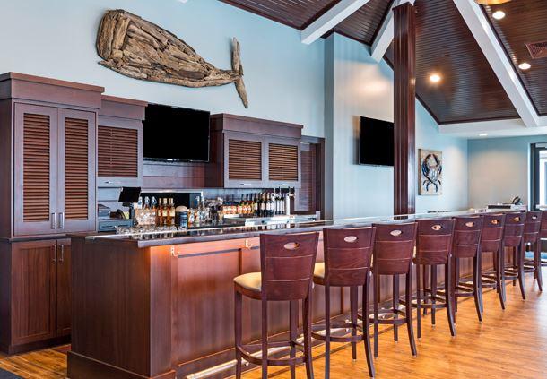 Beach House Bar & Grille
