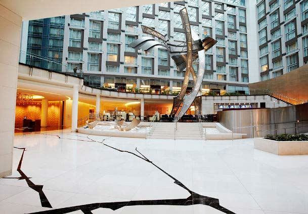 Lobby - Sculpture
