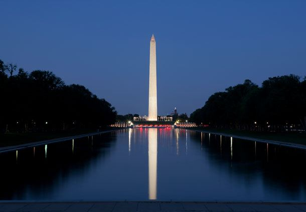 Night view of Washington Monument