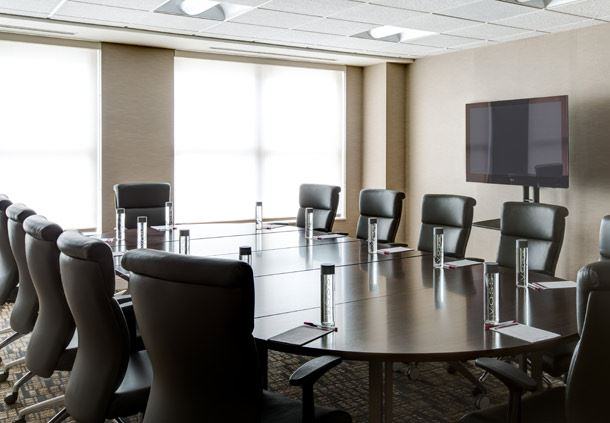 Lincoln Meeting Room - Boardroom Setup