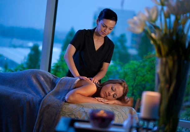 Massage at Relâche Spa
