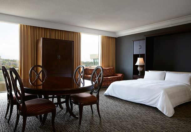Hospitality Suite - Murphy Bed