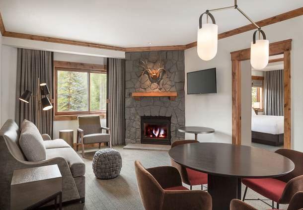 Corner Junior Timberline Suite - Living Area