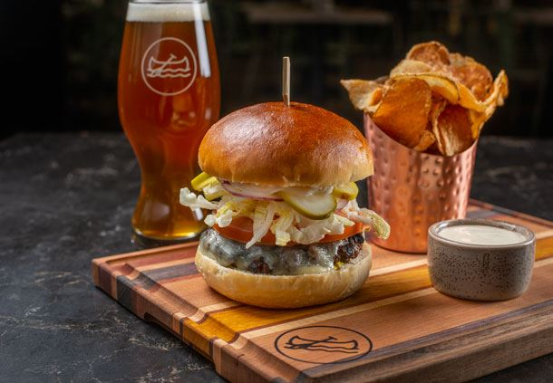 Shoe & Canoe Public House - Burger