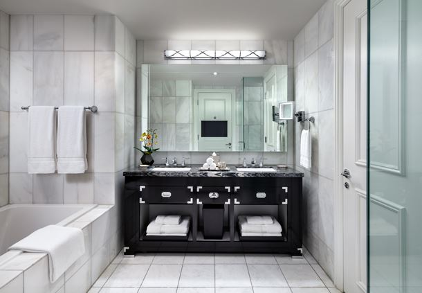 Superior Guestroom Bathroom