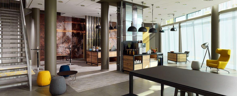 BERMT_Foyer_Main01
