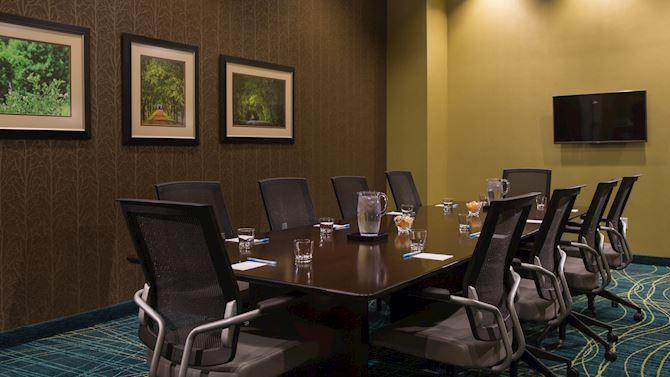 bnavw_meetInTheBeat_boardroom