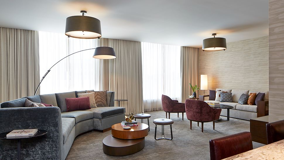 Hospitality Suite | 3 Bay