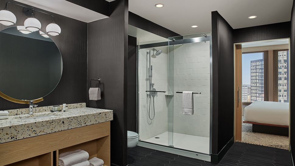 Corner Suite - Bathroom