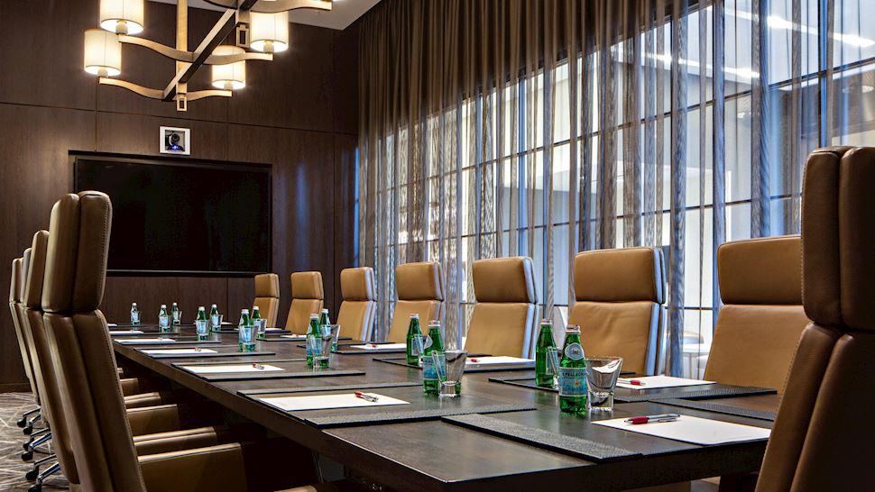 Pine Boardroom
